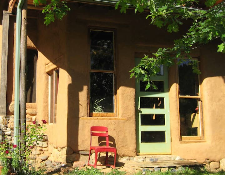 The Nest Eco-Retreat Cob Cottage