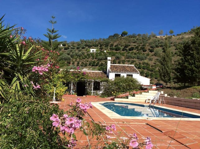 Casa rural con piscina en Málaga - Sayalonga - Hus