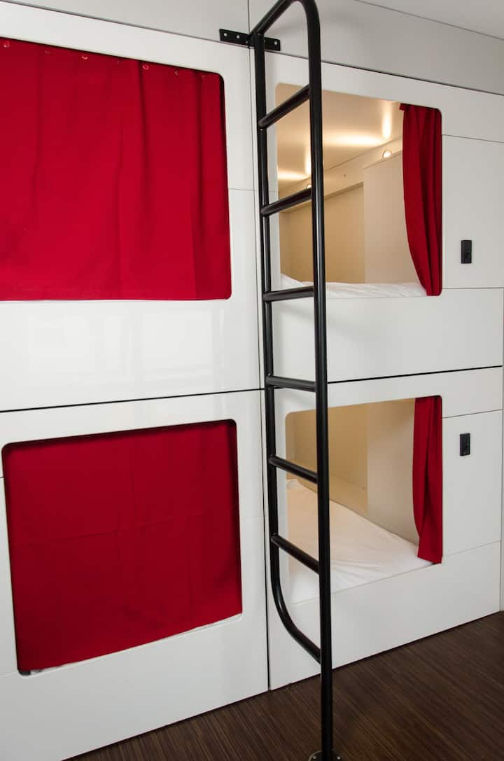 91 Loop Boutique Hostel - The Pod Experience