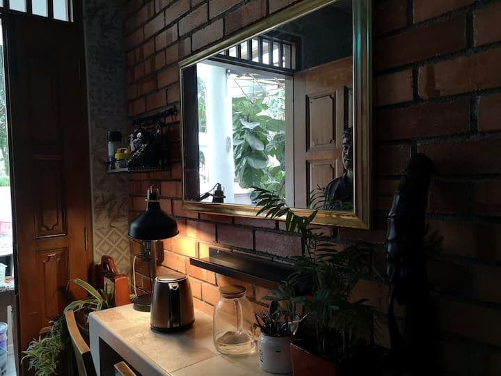 Great Cosy Rm in the City/Farrer Pk MRT/Sanitised