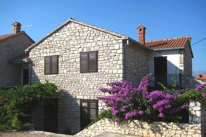 Authentic mediteranean stone house2;apartman2