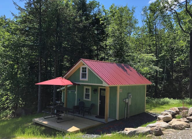 Brand New! Ski-in Sugarbush Cabin/Tiny House