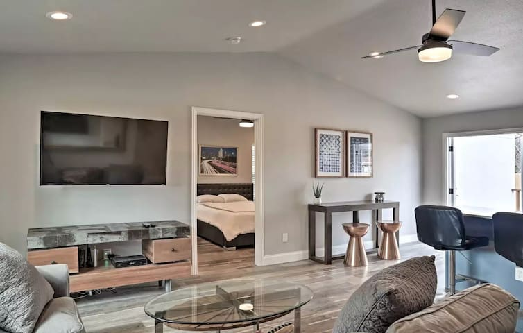 Comfortable #Staycay Close to Everything In Dallas