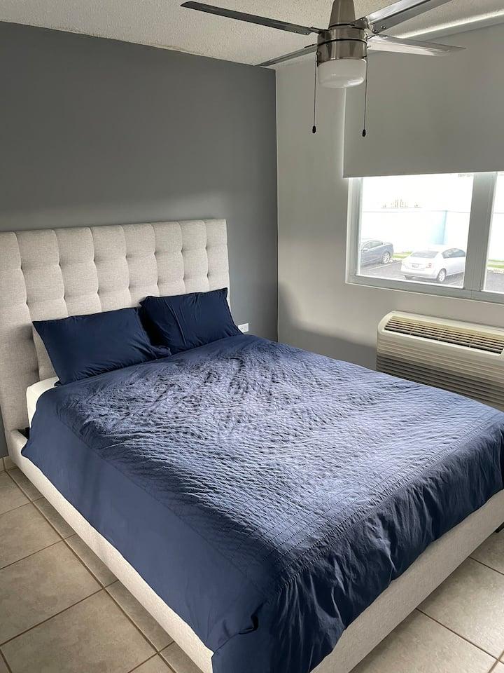 Habitación Privada con cama Queen. Apto compartido