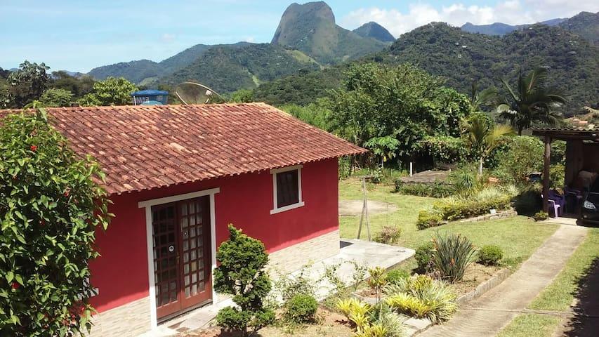 casa com linda vista 1,5 km da praça de lumiar - Nova Friburgo - Cabana