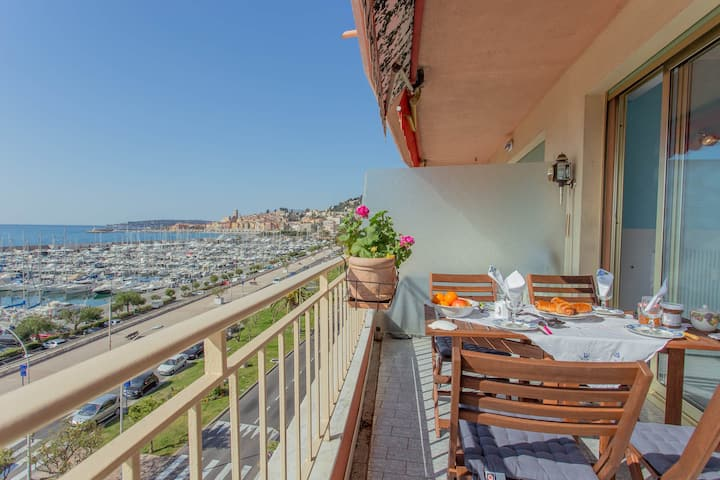 Magnificient 3 rooms facing sea and port with terrace