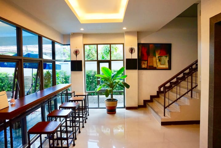 ★ Room in Modernist apartment II - near MRT.