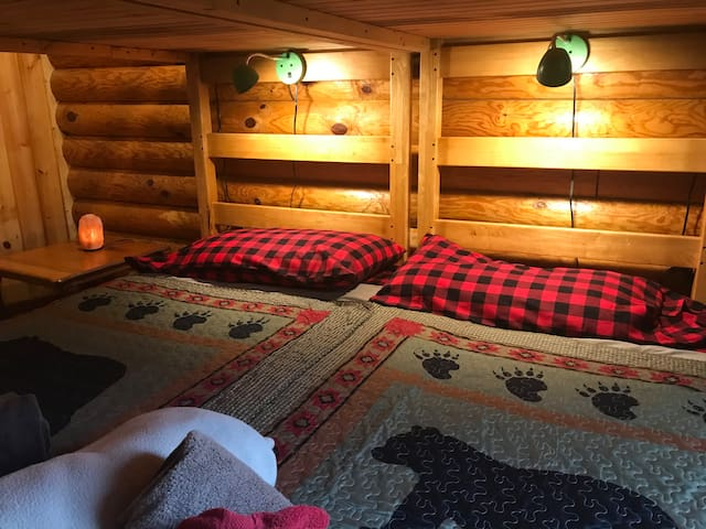Beats camping! Bunkroom for up to 6—