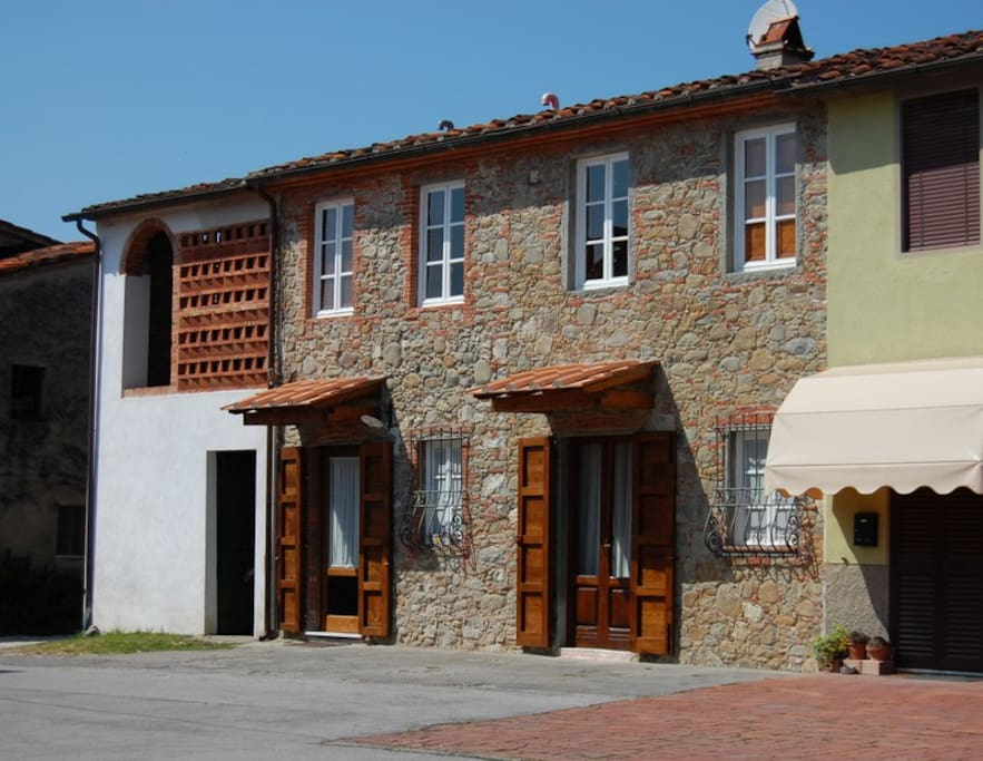 Corte di sergio casa rustica houses for rent in for Piani di casa di log in stile ranch