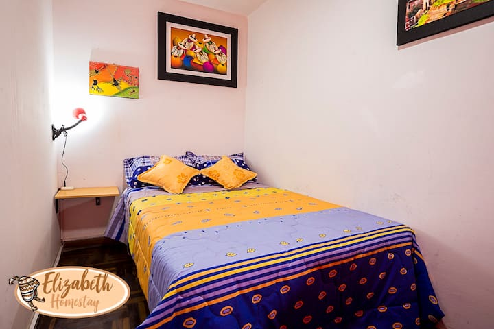 JG1 Private room + double bed + WIFI