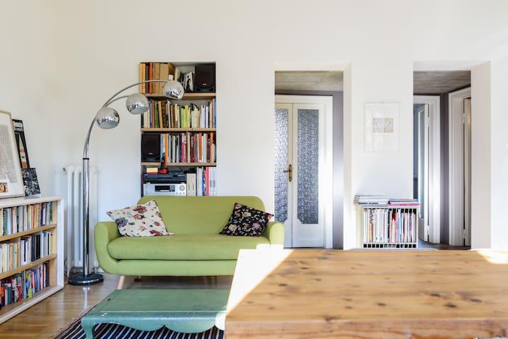 Livingroom side B