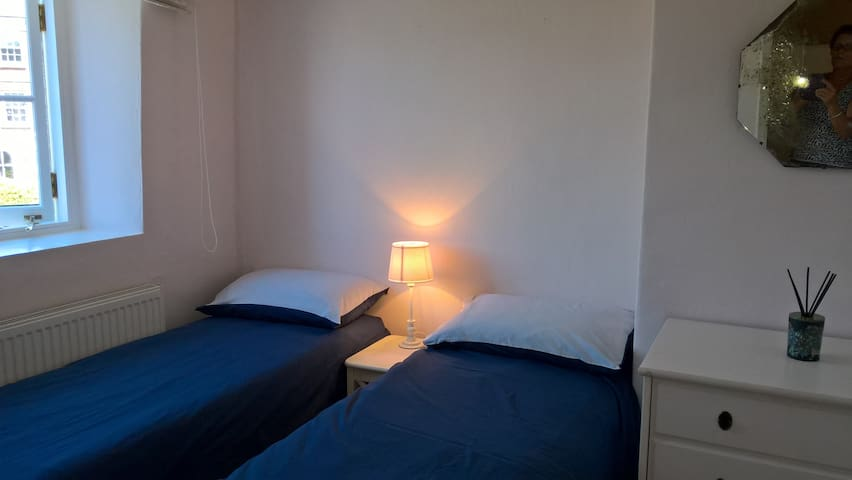 Bedroom 2 - two small beds - suit children or 2 small adults!
