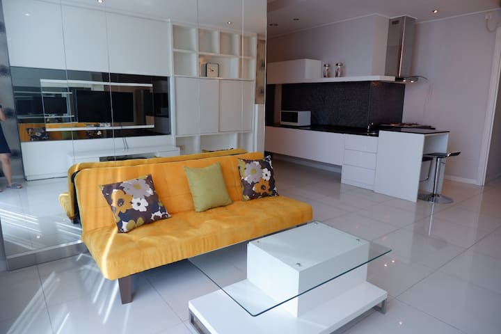 Amazing 3 bedroom apartment in Ciputra World