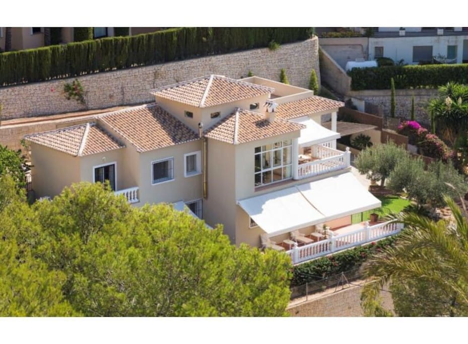 We can also offer on this villa reduction in green fee prices saving over 50 %