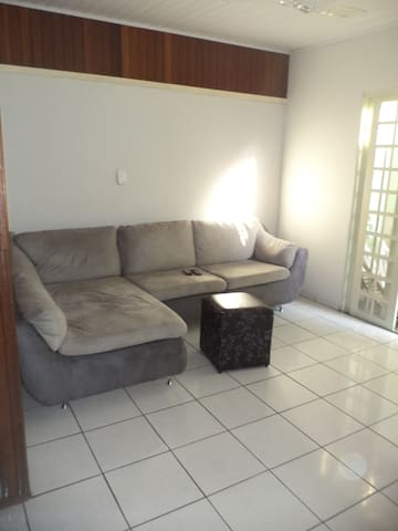 House near to the stadium - Cuiabá - Huis