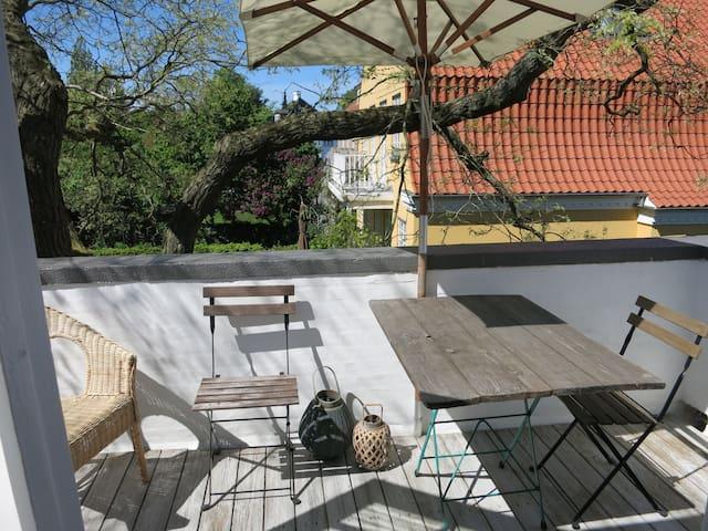 Villa apartment near city and beach - Hellerup - Wohnung