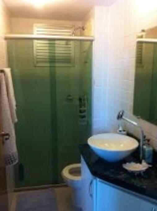 Banheiro exclusivo para o hóspede