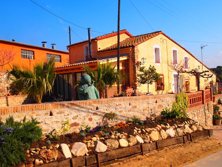 PRECIOUS HOUSE IN BARCELONA RURAL