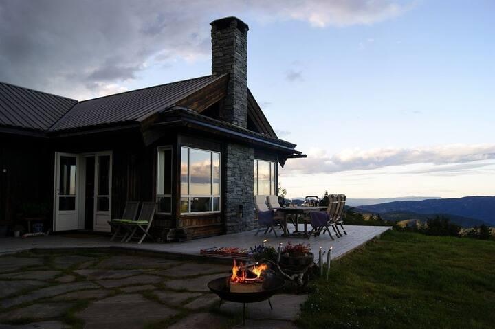 Eksklusiv hytte med anneks og fantastisk utsikt