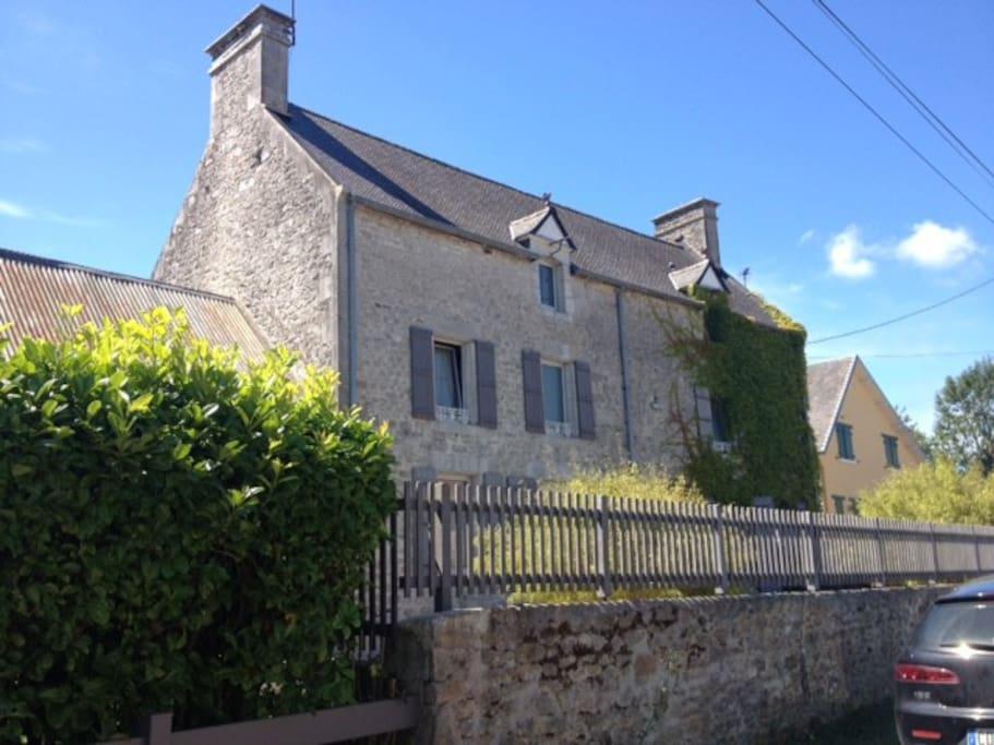 Maison de charme 1850 - 6 pièces, 3 chambre, 2 SDB, 3 WC, jardin 600m² sur exposition Sud - Calme et proximité des prés salés et de la mer