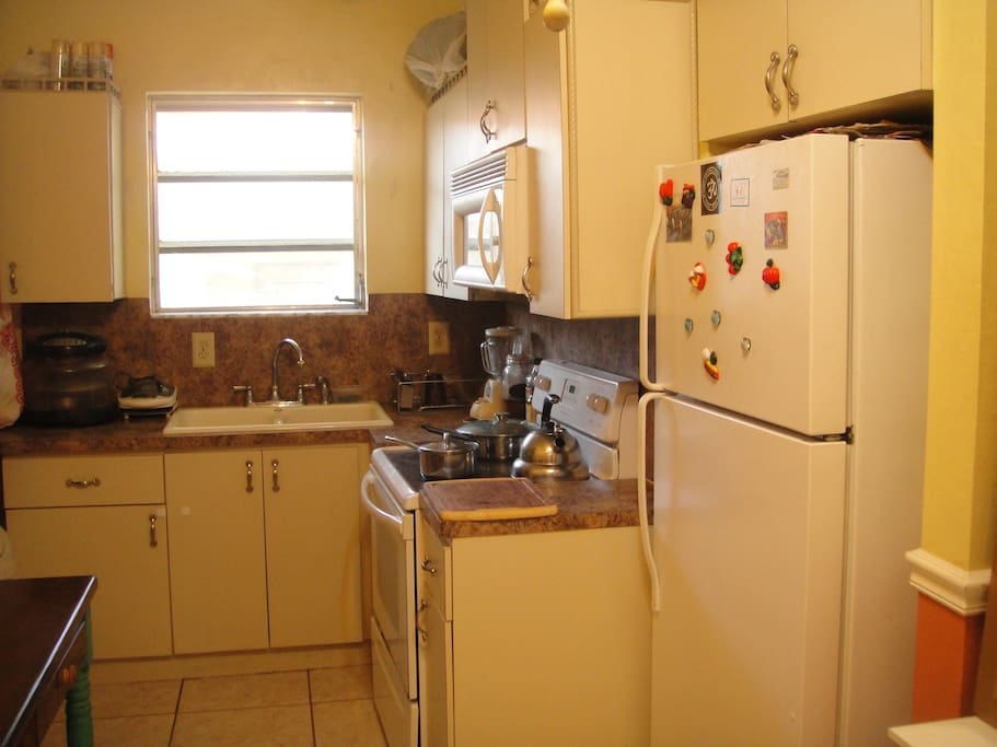COMPLETE KITCHEN W MICROWAVE, POTS AND PANS