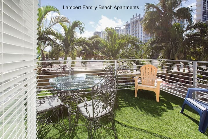 Private Terrace, beach: 0.2 mile, F.Lauderdale, 2r
