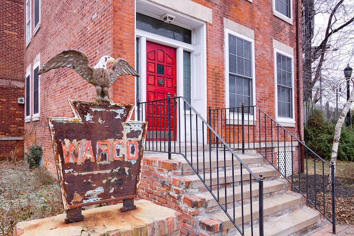 Historic Corktown JMH - Water Suite - Detroit - Bed & Breakfast