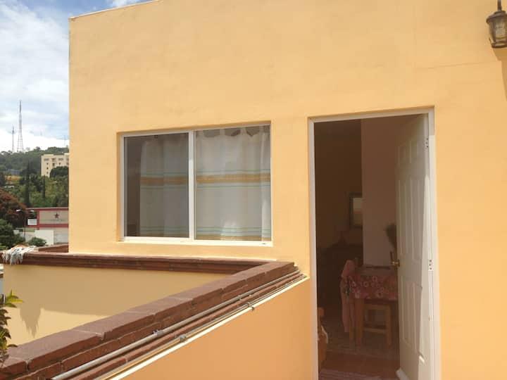 Estudio con terraza en 3 piso