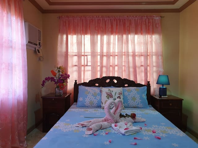 Palompon Orange Villa upgraded bedroom for 2px