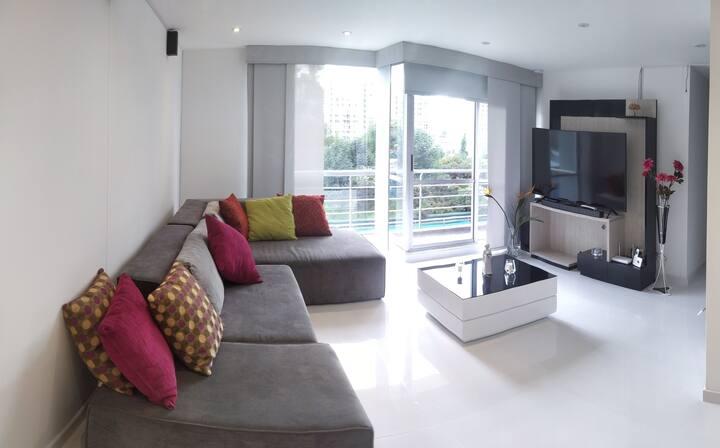 Apartamento amplio y equipado excelente ubicación.
