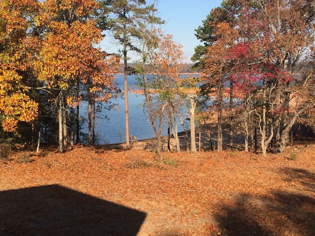 4bd/4ba Lake House minutes from Downtown Hartwell - Hartwell - Hus