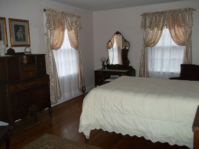 White Rose Manor (Y) - Lincolnton