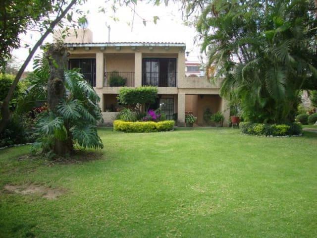 Preciosa Casa en Cuautla (Brisas) - Cuautla - Rumah