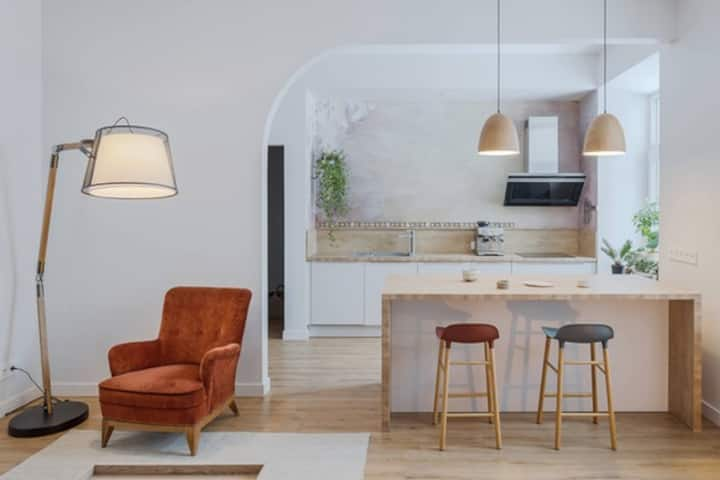 Open and Cozy Apartment + Entire Garden !!