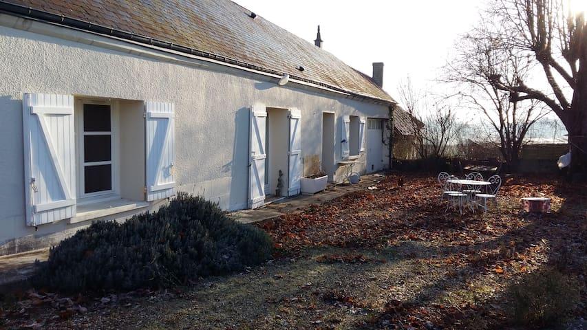 Chambre dans maison de campagne - Saint-Martin-le-Beau - House
