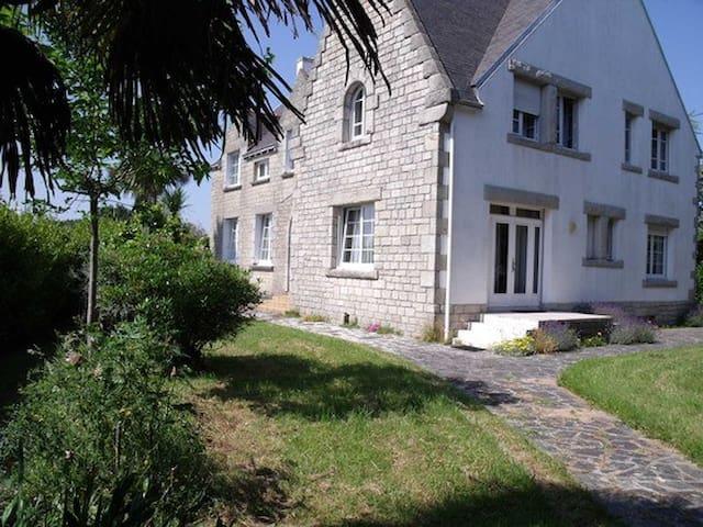 Breton houses. - Loctudy - บ้าน