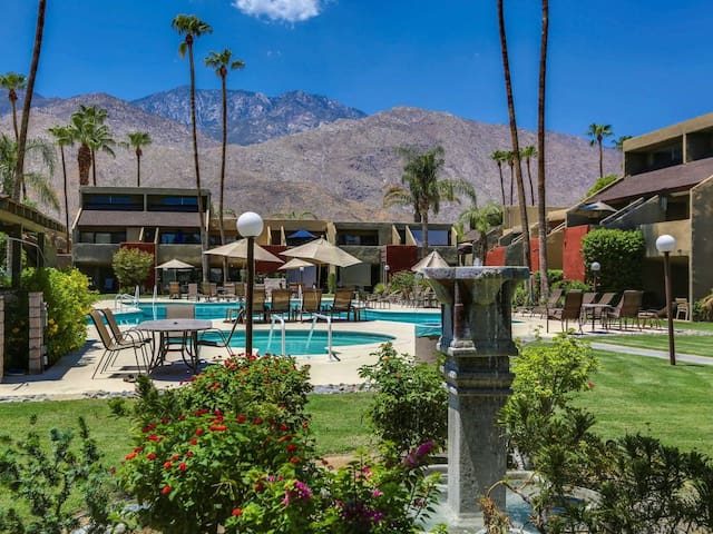 Dlx. 1-BR Palm Springs Condo: UPDATED/20% Off Now!