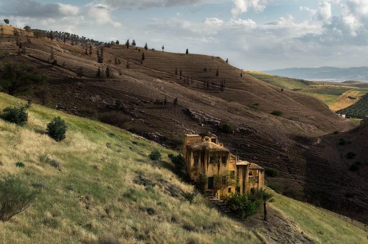 Beit Al Fannan - Cozy Hillside Stay