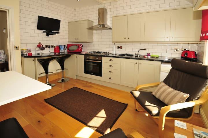 Blakeway Apartment -A Wenlock Studios town base