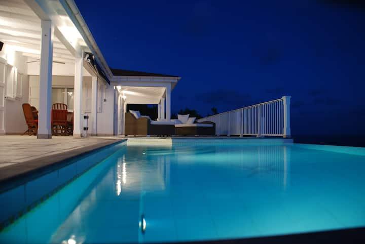 Villa Henson 1 bdrm Sunsets Views heated pool Spa