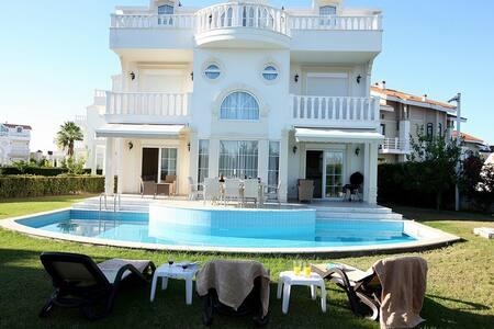 Luxury private pool Villa for rent! - Hus