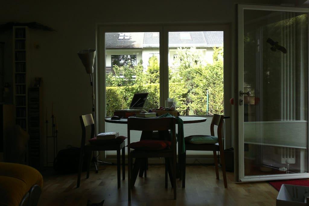 idyllische lage stadtnah im gr nen h user zur miete in berlin berlin deutschland. Black Bedroom Furniture Sets. Home Design Ideas