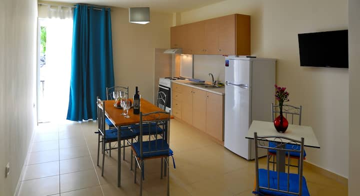 Kokkos Brothers-Ground floor apartment