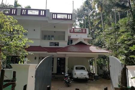 TAKASHI HOMESTAY NORTH PARAVUR