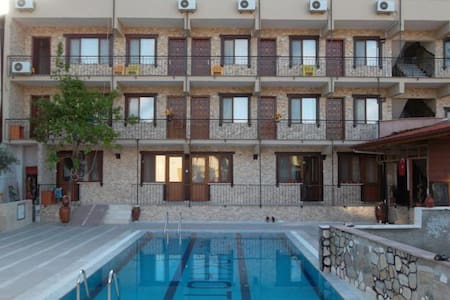 Private double room whit breakfast - Denizli Merkez - Bed & Breakfast