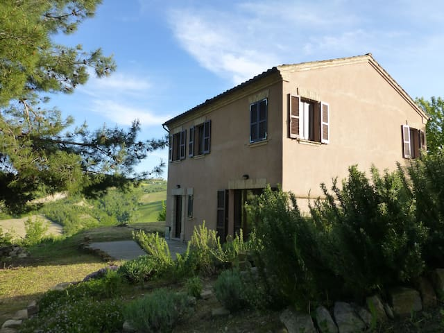 Farmhouse nr S.Vittoria in Matenano - Ascoli Piceno  - House