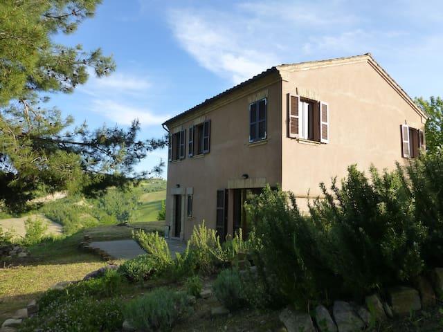 Farmhouse nr S.Vittoria in Matenano - Ascoli Piceno  - Ev