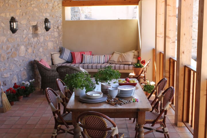 Fabulous French village house. - Caunes-Minervois - Rumah