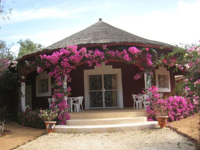 Villa avec piscine à 150m de la mer - Ngaparou - Dům