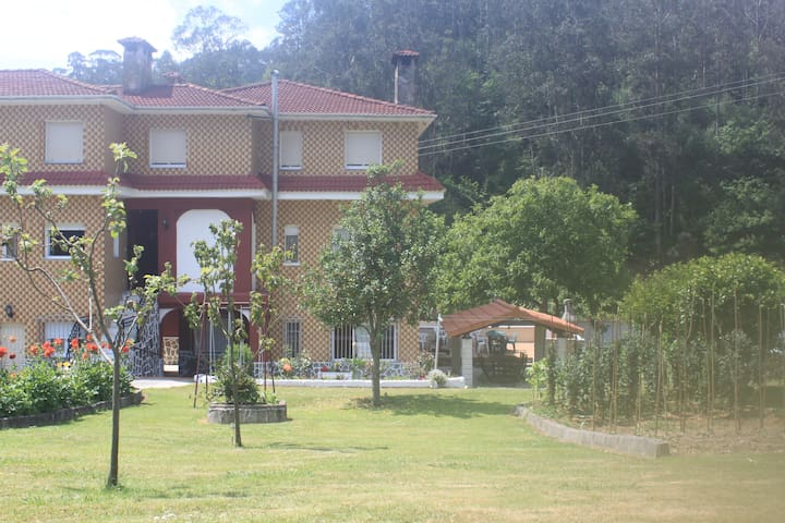 Apartamento EL TILEIRO. Asturias